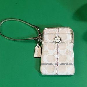 COACH SMALL CELLPHONE WRISTLET